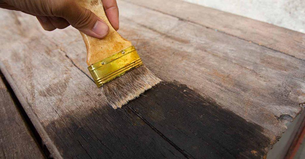 Met welke verf kan ik mijn meubels schilderen?